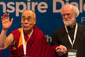 Второй день диалога «Взращивать мудрость, изменять людей» с участием Далай-ламы