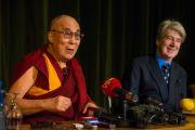 Его Святейшество Далай-лама на пресс-конференции в колледже Св. Марии Магдалины. Оксфорд, Великобритания. 14 сентября 2015 г. Фото: Иан Камминг