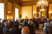 Его Святейшество Далай-лама говорит об этике и лидерстве на встрече, организованной фондом семьи Хиндуджа. Лондон, Великобритания. 20 сентября 2015 г. Фото: Иан Камминг