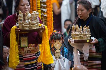 Молебен о долголетии Далай-ламы и посвящение долгой жизни в Дхарамсале
