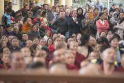 Некоторые из более 7000 человек на празднике во дворе храма Тхекчен Чолинг. Дхарамсала, Индия. 3 ноября 2015 г. Фото: Тензин Чойджор (офис ЕСДЛ)