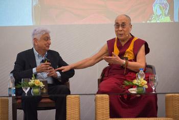 В Бангалоре Далай-лама встретился с членами «Индийской благотворительной инициативы»