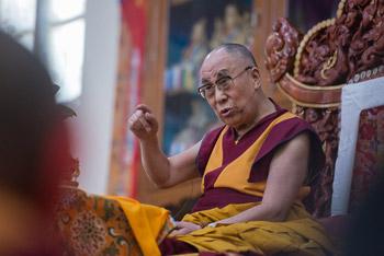 Далай-лама даровал посвящение Гухьясамаджи в тантрическом университете Гьюдмед