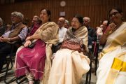 Во время лекции Его Святейшества Далай-ламы в Национальном институте передовых исследований. Бангалор, Индия. 6 декабря 2015 г. Фото: Тензин Чойджор (офис ЕСДЛ)