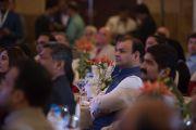 Во время выступления Его Святейшества Далай-ламы на встрече с членами дипломатического корпуса штата Карнатака. Бангалор, Индия. 6 декабря 2015 г. Фото: Тензин Чойджор (офис ЕСДЛ)