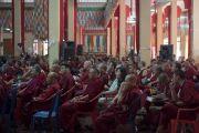 """Некоторые из более 900 монахов и монахинь, участвующих в 30-й конференции института """"Ум и жизнь"""" в монастыре Сера. Билакуппе, штат Карнатака, Индия. 14 декабря 2015 г. Фото: Тензин Чойджор (офис ЕСДЛ)"""