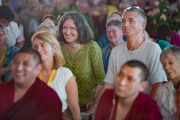 На третьи учения Его Святейшества Далай-ламы по 18 коренным текстам и комментариями традиции Ламрим собрались ученики из самых разных стран мира. Билакуппе, штат Карнатака, Индия. 20 декабря 2015 г. Фото: Тензин Чойджор (офис ЕСДЛ)