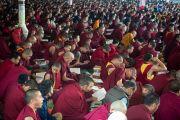 Некоторые из более чем 22 тысяч монахов и монахинь, присутствующих на учениях Его Святейшества Далай-ламы в монастыре Ташилунпо. Билакуппе, штат Карнатака, Индия. 28 декабря 2015 г. Фото: Тензин Чойджор (офис ЕСДЛ)