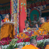 В Ташилунпо Далай-лама начал даровать посвящение «16 капель линии кадам»