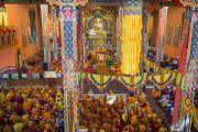Вид на новый зал собраний в монастыре Ташилунпо во время молебна о долголетии Его Святейшества Далай-ламы. Билакуппе, штат Карнатака, Индия. 1 января 2016 г. Фото: Тензин Чойджор (офис ЕСДЛ)