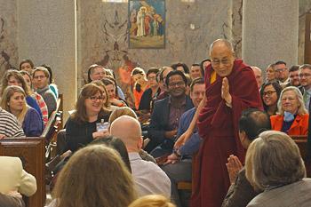 Далай-лама прочитал в клинике Майо лекцию о сострадании в медицине