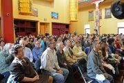 """Слушатели на лекции Его Святейшества Далай-ламы в храме буддийского центра """"Олений парк"""". Орегон, штат Висконсин, США. 6 марта 2016 г. Фото: Шераб Лхацанг"""