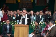Шри Каран Сингх, министр йоги и аюрведы, произносит речь на праздничной церемонии по случаю 100-летия Института тибетской медицины и астрологии (Менциканг). Дхарамсала, Индия. 23 марта 2016 г. Фото: Тензин Чойджор (офис ЕСДЛ)
