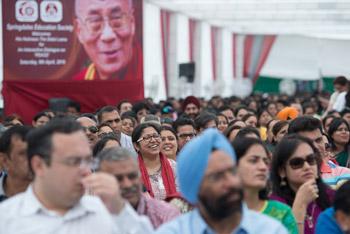 В Нью-Дели Далай-лама посетил школу «Спрингсдейлз» и Индийский технологический институт