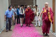 """Вир Сингх и Аналджит Сингх встречают Его Святейшество Далай-ламу в центре для проведения затворничеств """"Вана"""". Дехрадун, штат Уттаракханд, Индия. 6 апреля 2016 г. Фото: Тензин Чойджор (офис ЕСДЛ)"""