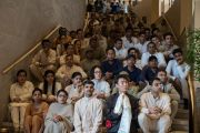 "Гости и сотрудники затворнического центра ""Вана"" слушают Его Святейшество Далай-ламу.  Дехрадун, штат Уттаракханд, Индия. 6 апреля 2016 г. Фото: Тензин Чойджор (офис ЕСДЛ)"