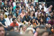 Некоторые из более 1200 человек, присутствующих на встрече с Его Святейшеством Далай-ламой в школе при американском посольстве. Нью-Дели, Индия. 8 апреля 2016 г. Фото: Тензин Чойджор (офис ЕСДЛ)