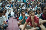 Далай-лама посетил школу при американском посольстве в Дели