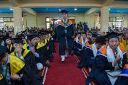 На торжественной церемонии в колледже высшей тибетологии в Сара в присутствии Его Святейшества Далай-ламы дипломы получили выпускники отделений тибетологии, тибетской истории и тибетской литературы. Дхарамсала, Индия. 26 апреля 2016 г. Фото: Тензин Чойджор (офис ЕСДЛ)