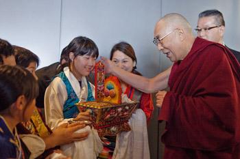 Далай-лама прибыл в Японию