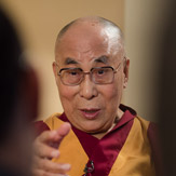 Дээрхийн Гэгээнтэн Далай Лам Японы Эн Эйч Кэй телевизэд ярилцлага өгөв