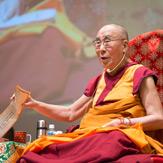 В Осаке прошел второй день учений Далай-ламы по поэме Шантидевы «Путь бодхисаттвы»