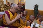 Молитвенное собрание в главном тибетском храме Дхарамсалы