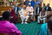 Саед Зафар Махмуд обращается с речью к участникам встречи с молодыми лидерами Института мира США и Его Святейшеством Далай-ламой. Дхарамсала, Индия. 3 мая 2016 г. Фото: Тензин Чойджор (офис ЕСДЛ)