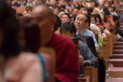 """В зале во время третьего дня учений Его Святейшества Далай-ламы по поэме Шантидевы """"Путь бодхисаттвы"""". Осака, Япония. 12 мая 2016 г. Фото: Тензин Чойджор (офис ЕСДЛ)"""