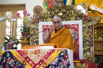 В Дхарамсале прошел второй день учений Далай-ламы по поэме Шантидевы «Путь бодхисаттвы» для группы индийских буддистов