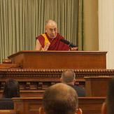 Дээрхийн Гэгээнтэн Далай Лам Калифорниа мужийн их хуралд үг хэлэв