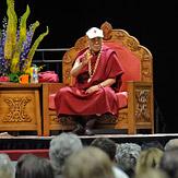 """Дээрхийн Гэгээнтэн Далай Лам """"Энэрэл хайр ба дэлхий нийтийн хариуцлага"""" сэдэвт яриа хийв"""