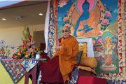 Его Святейшество Далай-лама выступает с публичной лекцией в буддийском храме Dieu Ngu. Вестминстер, штат Калифорния, США. 18 июня 2016 г. Фото: Джереми Рассел (офис ЕСДЛ)