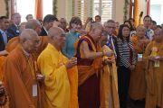 Его Святейшество Далай-лама проводит ритуал освящения во время торжественной церемонии открытия вьетнамского буддийского храма Дзе Нгу (Dieu Ngu). Вестминстер, штат Калифорния, США. 19 июня 2016 г. Фото: Джереми Рассел (офис ЕСДЛ)