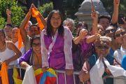 Тибетцы выражают почтение и поддержку Его Святейшеству Далай-ламе по окончании его визита в Капитолий. Сакраменто, штат Калифорния, США. 20 июня 2016 г. Фото: Джереми Рассел (офис ЕСДЛ)