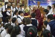 Визит Далай-ламы в Мундгод продолжается