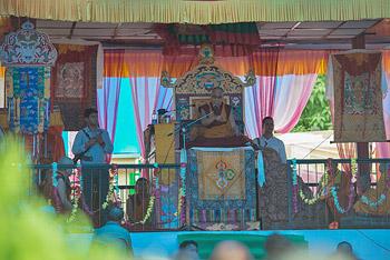 В Ревалсаре Далай-лама даровал учения по поэме Дза Патрула Ринпоче «Сердечное сокровище просветленных»