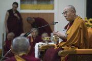 Его Святейшество Далай-лама обращается к монахам в храме Дрепунг Лачи. Мундгод, штат Карнатака, Индия. 1 июля 2016 г. Фото: Тензин Чойджор (офис ЕСДЛ)