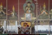 Его Святейшество Далай-лама в ходе церемонии освящения нового зала дебатов в храме Дрепунг Лоселинг. Мундгод, штат Карнатака, Индия. 6 июля 2016 г. Фото: Тензин Чойджор (офис ЕСДЛ)