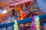 Его Святейшество Далай-лама дарует учения для более чем 10 тысяч человек на берегу озера Цо-Пема. Ревалсар, штат Химачал Прадеш, Индия. 14 июля 2016 г. Фото: Тензин Пхунцок (офис ЕСДЛ)