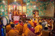 Начало празднования дня рождения Гуру Падмасамбхавы в монастыре Оргьен Херука на озере Цо-Пема. Ревалсар, штат Химачал Прадеш, Индия. 14 июля 2016 г. Фото: Тензин Пхунцок (офис ЕСДЛ)