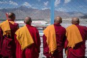 Самолет Его Святейшества Далай-ламы прибывает в аэропорт им. Кушока Бакулы Ринпоче. Ле, Ладак, штат Джамму и Кашмир, Индия. 25 июля 2016 г. Фото: Тензин Чойджор (офис ЕСДЛ)