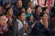 Верующие слушают наставления Его Святейшества Далай-ламы на площади у монастыря Нгагьюр Дактог. Ладак, штат Джамму и Кашмир, Индия. 5 августа 2016 г. Фото: Тензин Чойджор (офис ЕСДЛ)