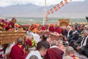 Его Святейшество Далай-лама принимает участие в конференции в честь основателя тибетской письменности Тхонми Самбхоты, организованной в монастыре Зангдок Палри. Ладак, штат Джамму и Кашмир, Индия. 7 августа 2016 г. Фото: Тензин Чойджор (офис ЕСДЛ)