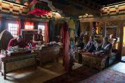 Его Святейшество Далай-лама обедает с королевской семьей Ладака во дворце Стока. Сток, Ладак, штат Джамму и Кашмир, Индия. 8 августа 2016 г. Фото: Тензин Чойджор (офис ЕСДЛ)