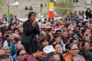Верующие во время торжественного открытия четвертого Большого летнего религиозного совета в монастыре Тикси. Ладак, штат Джамму и Кашмир, Индия. 9 августа 2016 г. Фото: Тензин Чойджор (офис ЕСДЛ)