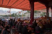 Вид на площадь во время учений Его Святейшества Далай-ламы в Тикси. Ладак, штат Джамму и Кашмир, Индия. 10 августа 2016 г. Фото: Тензин Чойджор (офис ЕСДЛ)