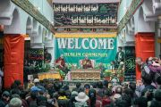 Его Святейшество Далай-лама обращается к собравшимся в мечети шиитов в Тикси. Ладак, штат Джамму и Кашмир, Индия. 12 августа 2016 г. Фото: Тензин Чойджор (офис ЕСДЛ)