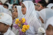 Учащиеся школы Исламия слушают наставления Его Святейшества Далай-ламы. Ле, Ладак, штат Джамму и Кашмир, Индия. 17 августа 2016 г. Фото: Тензин Чойджор (офис ЕСДЛ)