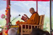 Его Святейшество Далай-лама во время второго дня учений по поэме Шантидевы «Бодхичарья-аватара». Ле, Ладак, штат Джамму и Кашмир, Индия. 19 августа 2016 г. Фото: Тензин Чойджор (офис ЕСДЛ)